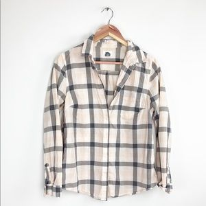 Old Navy pink & gray plaid button down shirt